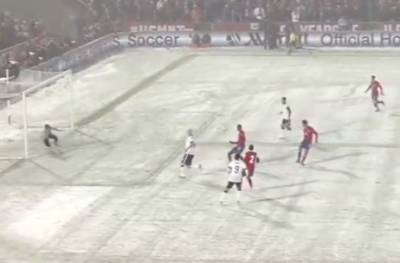USA defeats Costa Rica in World Cup qualifier in blizzard-like conditions.